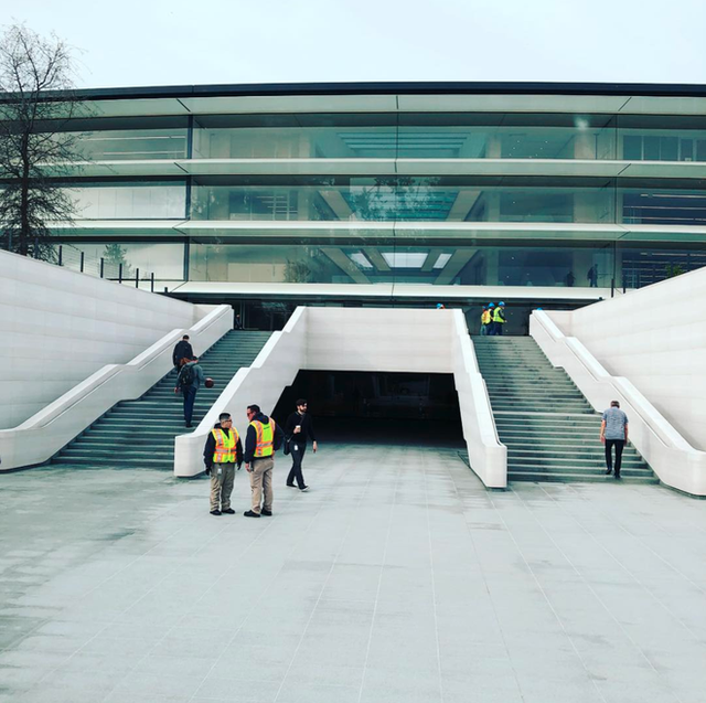 Chiêm ngưỡng ảnh chụp từ bên trong trụ sở 5 tỷ USD mới của Apple - Ảnh 13.