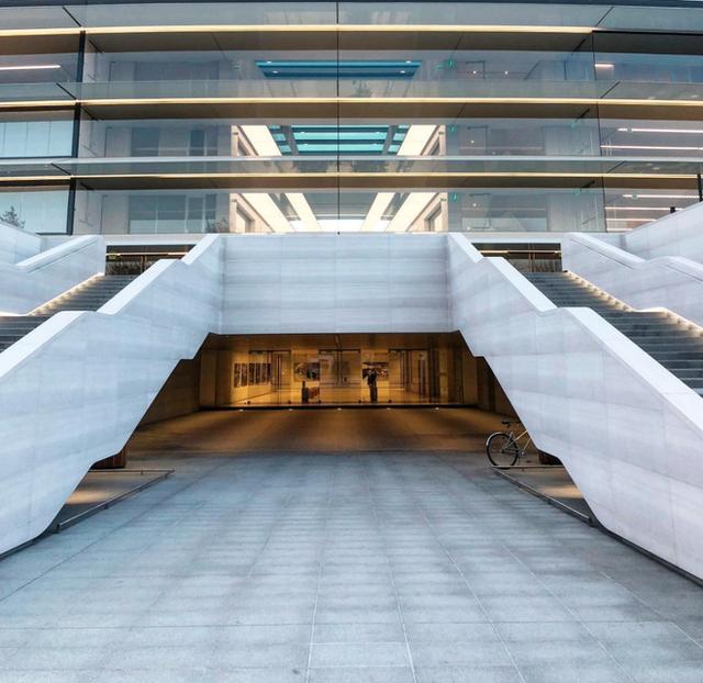 Chiêm ngưỡng ảnh chụp từ bên trong trụ sở 5 tỷ USD mới của Apple - Ảnh 15.