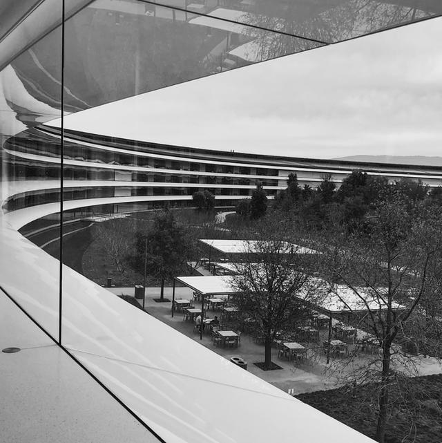 Chiêm ngưỡng ảnh chụp từ bên trong trụ sở 5 tỷ USD mới của Apple - Ảnh 9.