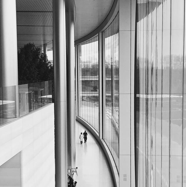 Chiêm ngưỡng ảnh chụp từ bên trong trụ sở 5 tỷ USD mới của Apple - Ảnh 10.