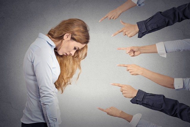 Tốt nghiệp bằng giỏi ở trường đại học danh tiếng nhưng không được công ty nào tuyển dụng, cô gái ngã ngửa khi biết lí do... - Ảnh 2.