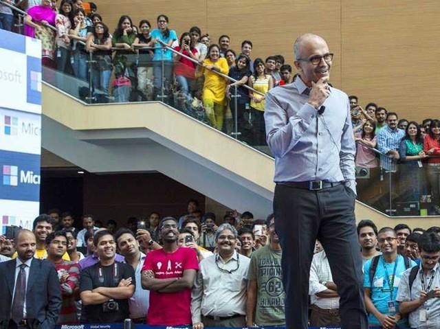 Ở Microsoft: Làm việc là đam mê và đích thân Bill Gates sẽ theo dõi mức độ cam kết đó của từng nhân viên - Ảnh 6.