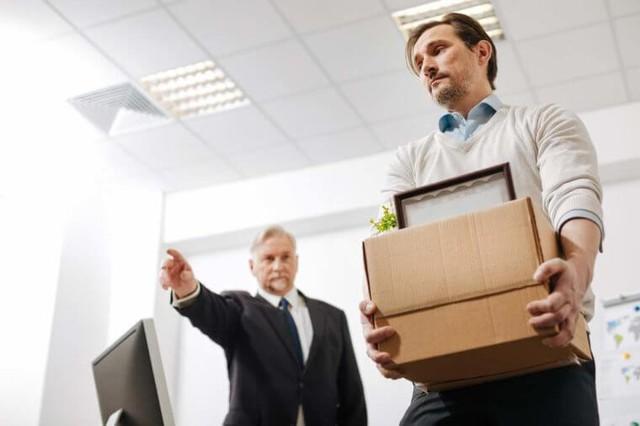 Vừa bị sa thải, tìm công việc mới như thế nào? - Ảnh 1.