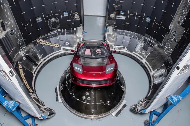 Xem ngay thước phim đầy cảm xúc về buổi phóng Falcon Heavy, do Elon Musk cùng cha đẻ series Westworld thực hiện - Ảnh 3.