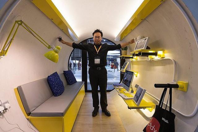 Giá nhà quá đắt đỏ, các kiến trúc sư Hồng Kông nghĩ ra cách xây dựng căn hộ mini bằng ống nước bê tông - Ảnh 2.