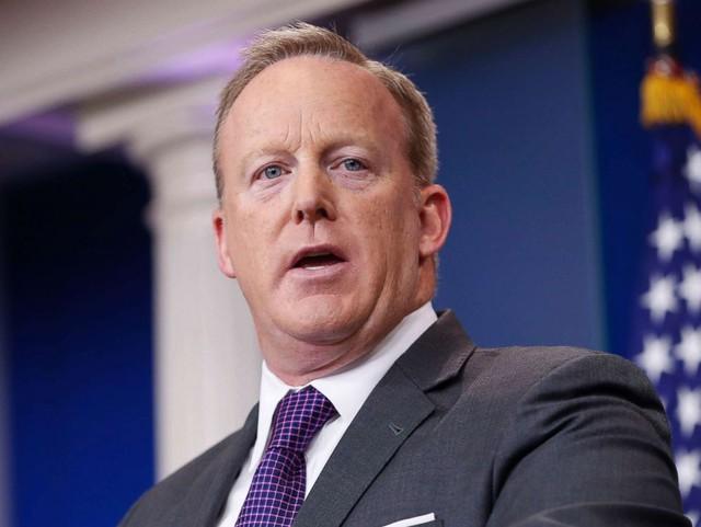 Hơn 1 năm nắm quyền, từ trợ lý, ngoại trưởng, giám đốc truyền thông, cố vấn kinh tế, không ai làm việc được với ông Trump quá... 500 ngày - Ảnh 13.