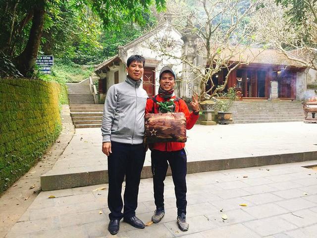 Chàng trai Phú Yên đi bộ xuyên Việt trong 113 ngày đêm chỉ với 100k và 1 cây đàn guitar - Ảnh 12.