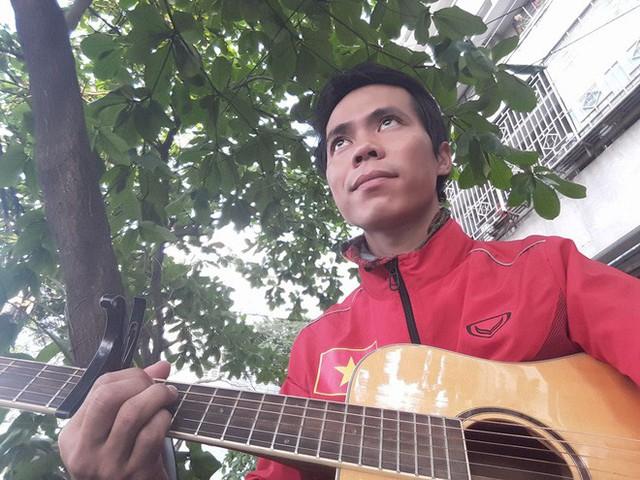 Chàng trai Phú Yên đi bộ xuyên Việt trong 113 ngày đêm chỉ với 100k và 1 cây đàn guitar - Ảnh 13.