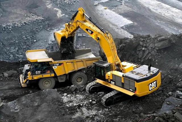 Sâu bướm Caterpillar: Từ chiếc máy kéo chạy bằng xích xe tăng thành tập đoàn máy công trình lớn nhất địa cầu - Ảnh 6.
