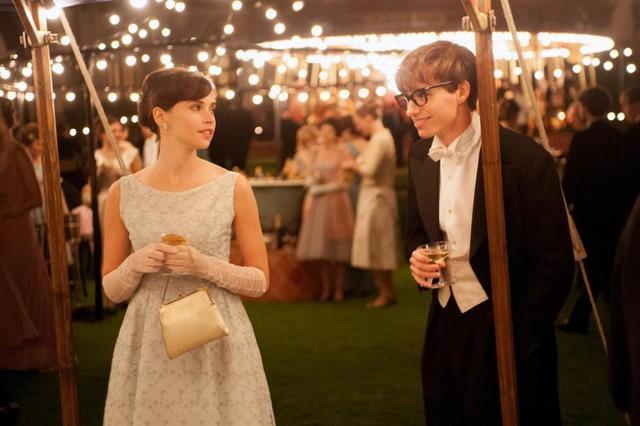 Đằng sau Stephen Hawking là cuộc sống gia đình trắc trở như bao người bình thường khác: Kết hôn 2 lần, ly hôn 2 lần, cuối đời chẳng có ai thân thuộc ở bên - Ảnh 1.