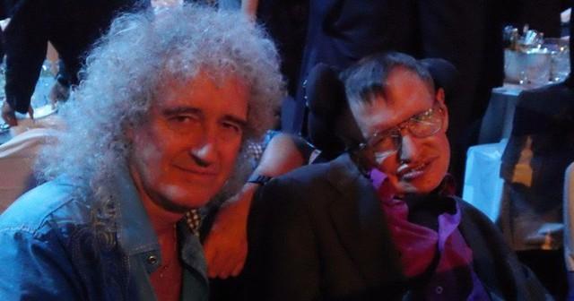 Stephen Hawking, Bill Gates và những bộ não thiên tài nhất thế giới thích nghe nhạc gì? - Ảnh 1.