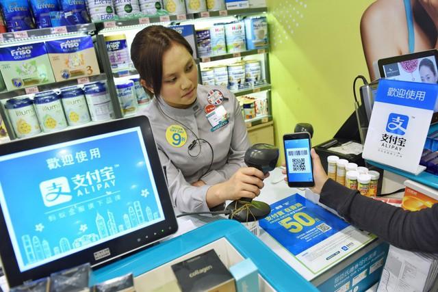 Chân dung sếp nữ mới của Lazada khiến Shopee, Amazon lo sợ: Là 1 trong 18 thành viên sáng lập Alibaba, người gác đền của Jack Ma, CEO Alipay và Ant Financial - Ảnh 1.