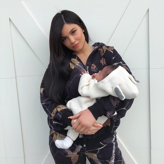 Bị chê bai mãi và đây là cách làm cao tay mà công ty mỹ phẩm của Kylie Jenner áp dụng - Ảnh 1.