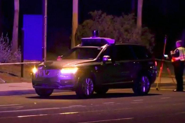 Xe tự lái của Uber đâm tử vong 1 người qua đường tại Mỹ - Uber phủ nhận trách nhiệm và cho rằng mình đã dừng thử nghiệm rồi - Ảnh 2.