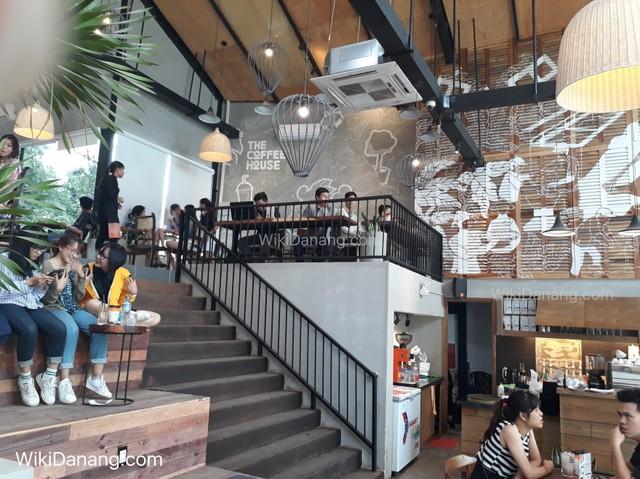 Chuyện mở quán của The Coffee House: Đo ni chiều cao từng chiếc bàn chiếc ghế, đập bỏ toàn bộ thiết kế 2 tỷ đồng để tìm ra mô hình quán mà khách hàng thấy thoải mái nhất - Ảnh 1.
