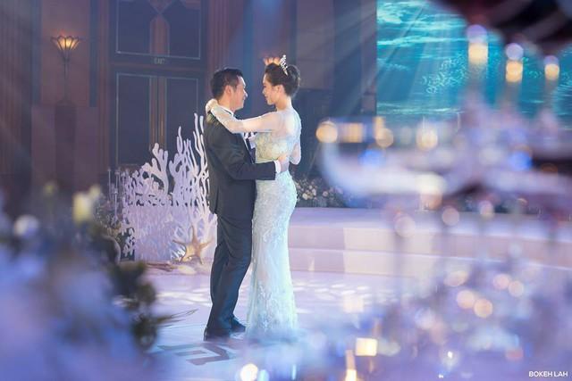 Cận cảnh đám cưới kỳ công xanh màu đại dương của Shark Hưng và cô dâu Á hậu - Ảnh 2.