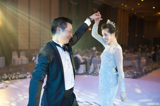 Cận cảnh đám cưới kỳ công xanh màu đại dương của Shark Hưng và cô dâu Á hậu - Ảnh 20.