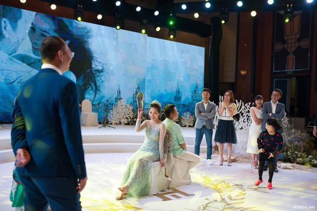 Cận cảnh đám cưới kỳ công xanh màu đại dương của Shark Hưng và cô dâu Á hậu - Ảnh 23.