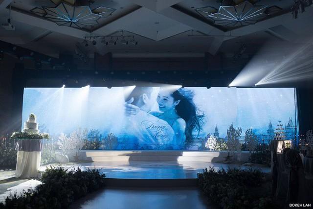 Cận cảnh đám cưới kỳ công xanh màu đại dương của Shark Hưng và cô dâu Á hậu - Ảnh 8.