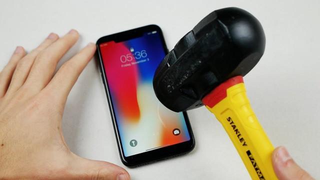 Apple đang tự dẹp bỏ đi trào lưu thiết kế smartphone do chính mình tạo ra - Ảnh 1.