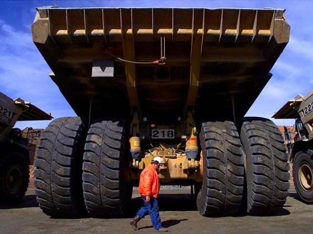 Từ chuyện Việt Nam có những tỷ phú USD công nghiệp đầu tiên: Nếu muốn gia nhập giới siêu giàu, hãy xây dựng cơ nghiệp trong 16 ngành này! - Ảnh 9.