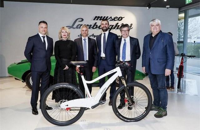 Lamborghini giờ đó tham dự cả vào thị trường xe đạp điện có hai mẫu xe phong mhữngh - Ảnh 1.