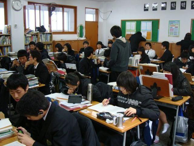 Tại sao tôi muốn tự tử? Tâm sự của học sinh Hàn Quốc hé lộ mặt tối đáng sợ đằng sau nền giáo dục hàng đầu thế giới - Ảnh 2.