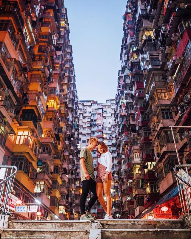 Mới 23 tuổi, cặp đôi được trả lương 6 con số để chu du khắp thế giới và cho ra đời những bức ảnh đẹp mê đắm - Ảnh 3.