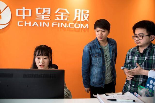 Nghề lập trình hot nhưng lại quá vất vả, các doanh nghiệp công nghệ Trung Quốc đua nhau tuyển nữ nhân viên massage thư giãn cho các coder, lương bổng gần 1000 USD/tháng - Ảnh 2.