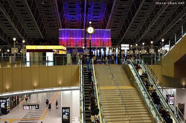 Vì sao người Nhật chỉ đứng một bên khi đi thang cuốn: Câu trả lời thực sự khiến bạn thêm yêu mến đất nước này - Ảnh 4.