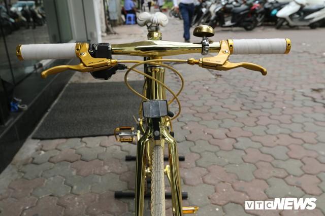 Bí ẩn chiếc xe đạp mạ vàng đắt ngang chung cư, người mua ra giá cả tỷ đồng - Ảnh 2.