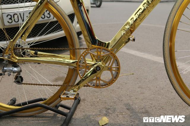 Bí ẩn chiếc xe đạp mạ vàng đắt ngang chung cư, người mua ra giá cả tỷ đồng - Ảnh 5.