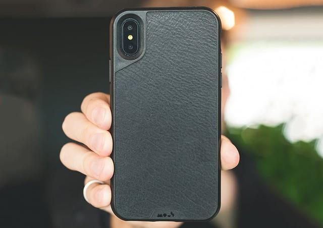 Một startup ốp lưng điện thoại đã kiếm hàng triệu USD bằng cách phá hủy những chiếc iPhone X như thế nào? - Ảnh 1.