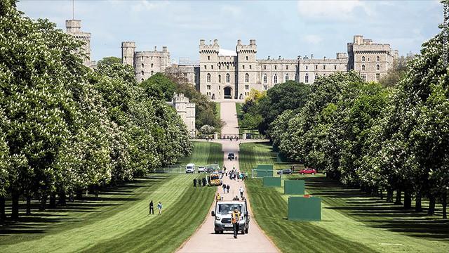 Đám cưới triệu đô của hoàng gia Anh: Hao tiền tốn của hay đóng góp cho nền kinh tế? - Ảnh 2.