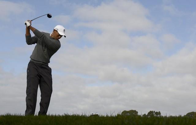 Đã là người hâm mộ golf, chắc chắn không thể quên được những khoảnh khắc đẹp ngút trời của Tiger Woods trong từng mùa giải - Ảnh 15.