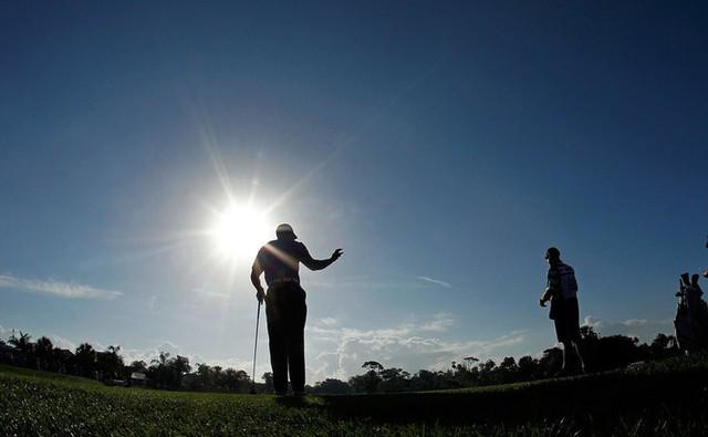 Đã là người hâm mộ golf, chắc chắn không thể quên được những khoảnh khắc đẹp ngút trời của Tiger Woods trong từng mùa giải - Ảnh 27.