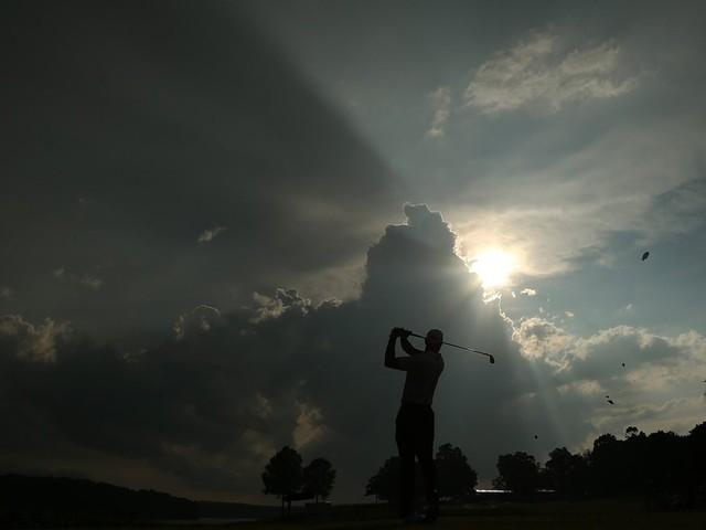 Đã là người hâm mộ golf, chắc chắn không thể quên được những khoảnh khắc đẹp ngút trời của Tiger Woods trong từng mùa giải - Ảnh 8.