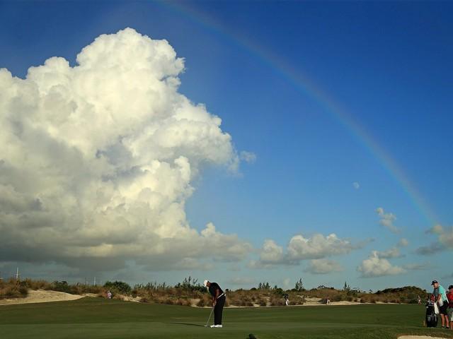 Đã là người hâm mộ golf, chắc chắn không thể quên được những khoảnh khắc đẹp ngút trời của Tiger Woods trong từng mùa giải - Ảnh 4.
