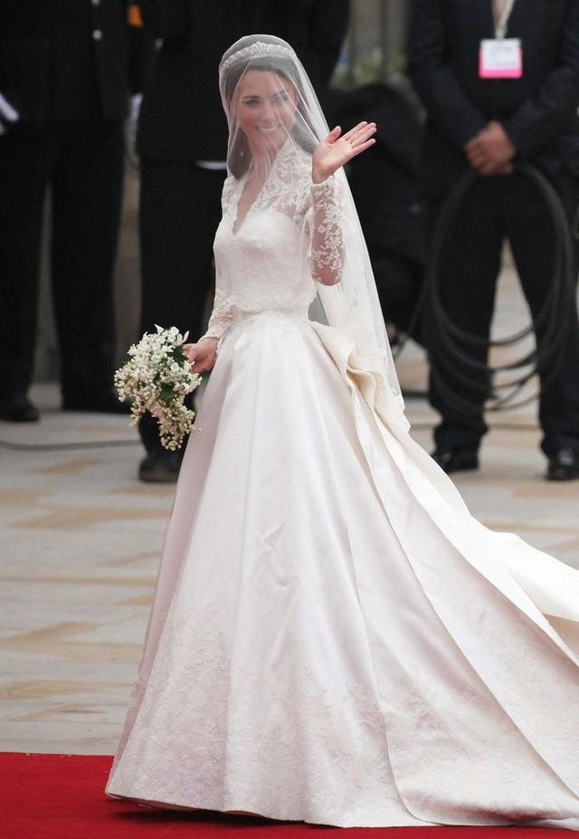 Tất tần tật những thông tin chi tiết có thể bạn chưa biết về đám cưới thế kỷ của Hoàng tử Harry và vị hôn thê Meghan Markle - Ảnh 7.