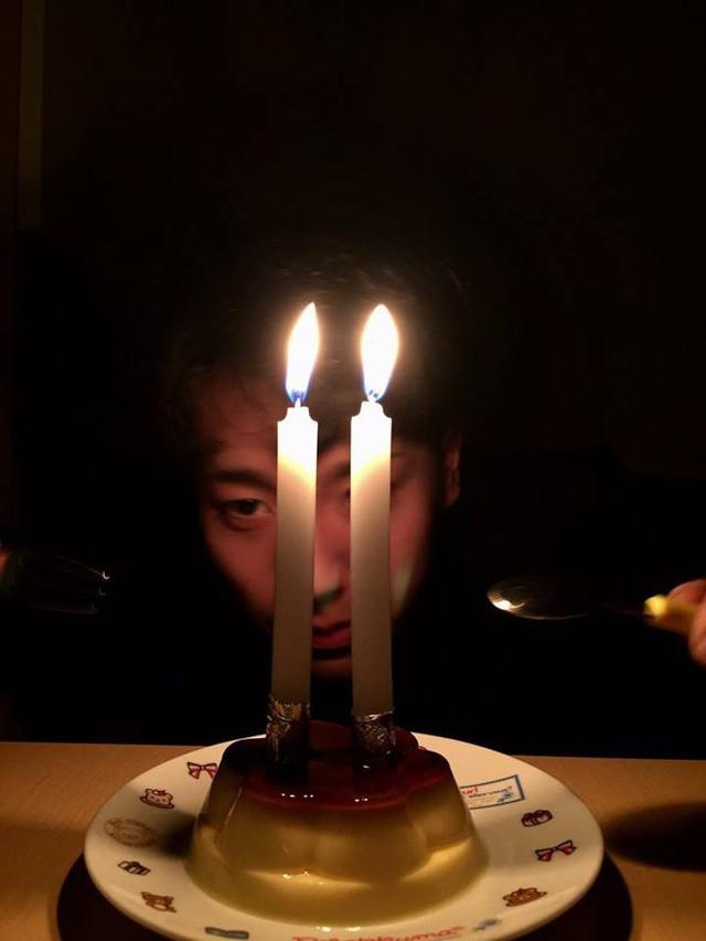 21 tuổi mới được tổ chức sinh nhật lần đầu, biểu cảm của chàng trai khiến cư dân mạng vừa buồn cười vừa thương - Ảnh 3.