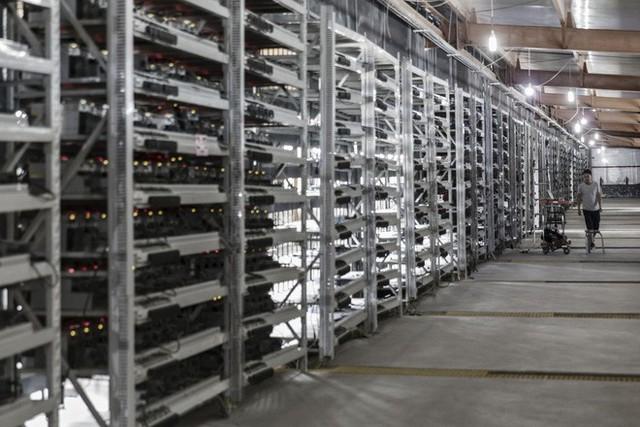 """Hãng sản xuất máy đào tiền mật mã Bitmain muốn chuyển hướng sang trí tuệ nhân tạo, khi mà Bitcoin đã """"hạ sốt """" - Ảnh 1."""