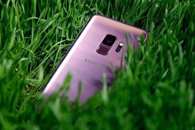 Né iPhone, Samsung sẽ ra mắt Galaxy Note 9 và Galaxy S10 sớm hơn dự kiến? - Ảnh 2.