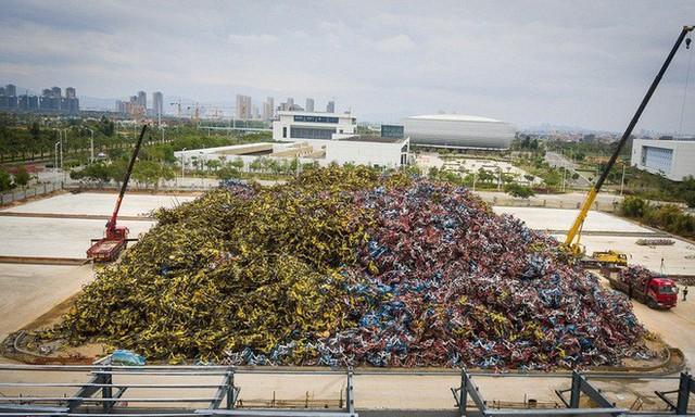 Hãi hùng ngắm nhìn mồ chôn tập thể của hàng triệu chiếc xe đạp tại Trung Quốc - Ảnh 2.