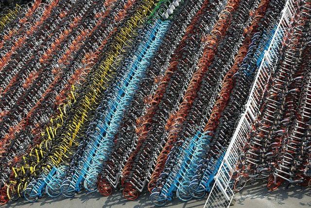 Hãi hùng ngắm nhìn mồ chôn tập thể của hàng triệu chiếc xe đạp tại Trung Quốc - Ảnh 10.