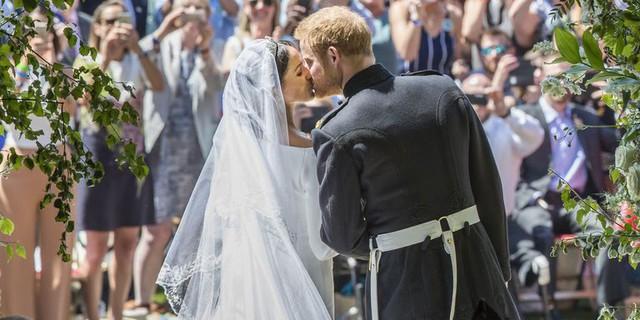 Đây là những điều Meghan Markle phải từ bỏ để kết hôn với hoàng tử Harry - Ảnh 2.