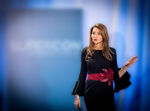 Con đường từ nữ thư ký chuyên rót cà phê, photo tài liệu cho sếp đến tỷ phú tự thân tỷ USD của CEO TransPerfect - Ảnh 2.