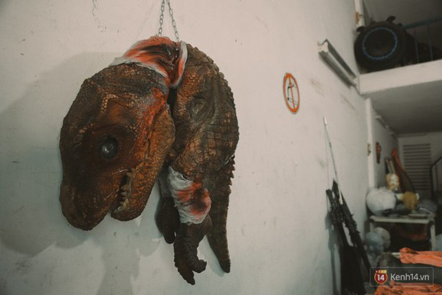 Ghé thăm lò chế tạo mô hình quái vật kinh dị như trong phim Hollywood của nhóm bạn trẻ ở Sài Gòn - Ảnh 13.