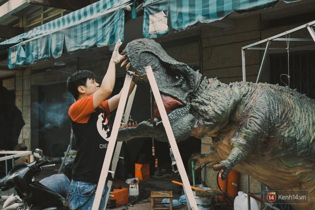Ghé thăm lò chế tạo mô hình quái vật kinh dị như trong phim Hollywood của nhóm bạn trẻ ở Sài Gòn - Ảnh 15.