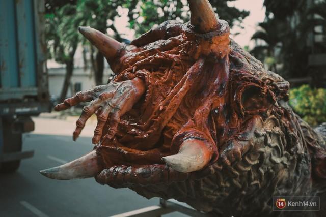 Ghé thăm lò chế tạo mô hình quái vật kinh dị như trong phim Hollywood của nhóm bạn trẻ ở Sài Gòn - Ảnh 18.