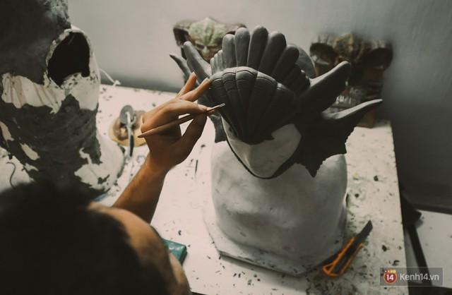 Ghé thăm lò chế tạo mô hình quái vật kinh dị như trong phim Hollywood của nhóm bạn trẻ ở Sài Gòn - Ảnh 4.